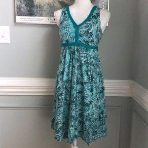 Athleta Floral Shades of Green Dress POCKETS!